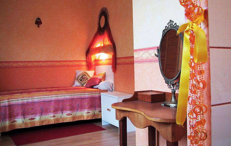 Les studios et les chambres logement tudiant paris est - Chambre couleur chaude ...
